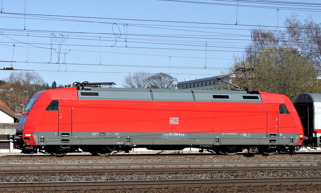 101 058 mit IC nach Leipzig am 26.03.12 in Fulda