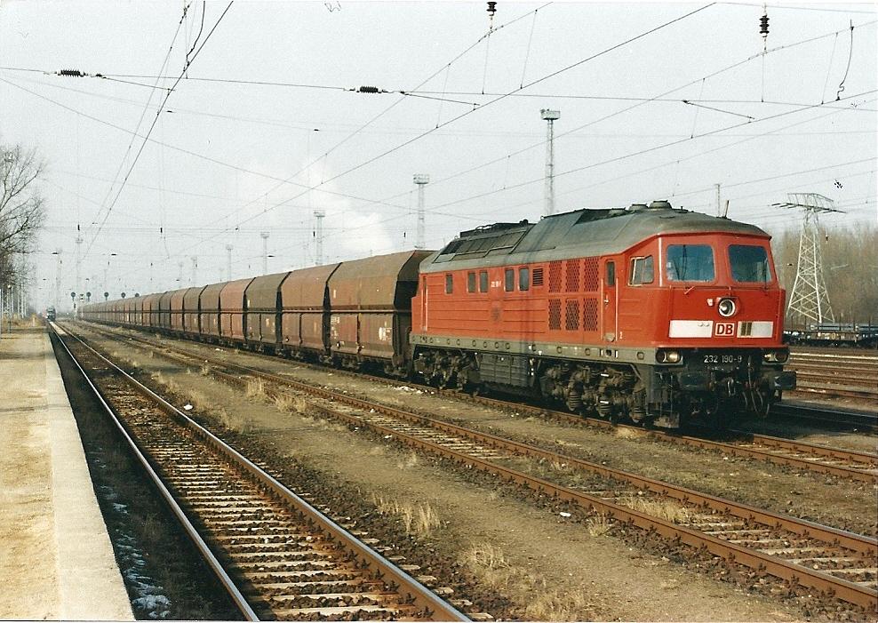 232 190 am 17.02.2002 in Rostock-Seehafen.