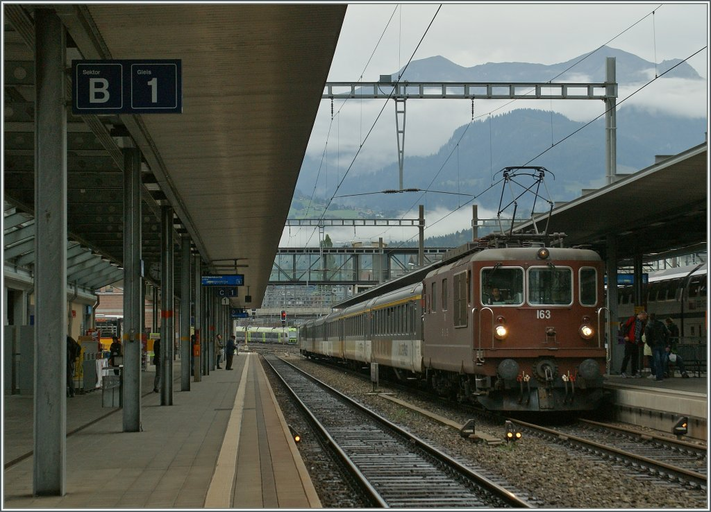 BLS Re 4/4 in Spiez. 29.Sept. 2012