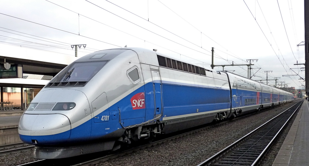 SNCF TGV 4701 am 28.10.10 in Fulda