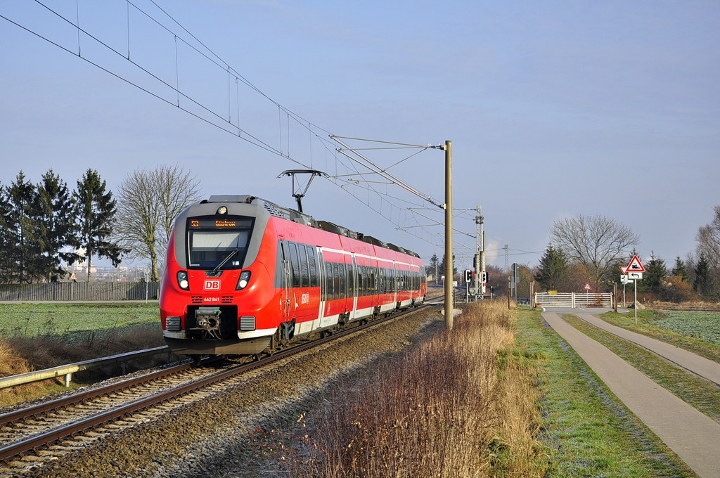 442 341 als S3 nach Güstrow ,hier am 13.03.2017 in Gragetopshof.