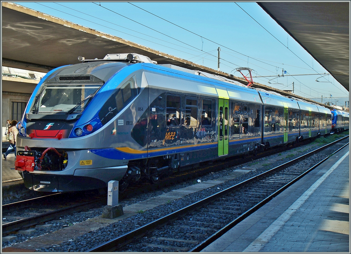 Der neuen ETR 324  jazz  in Firenze SMN.