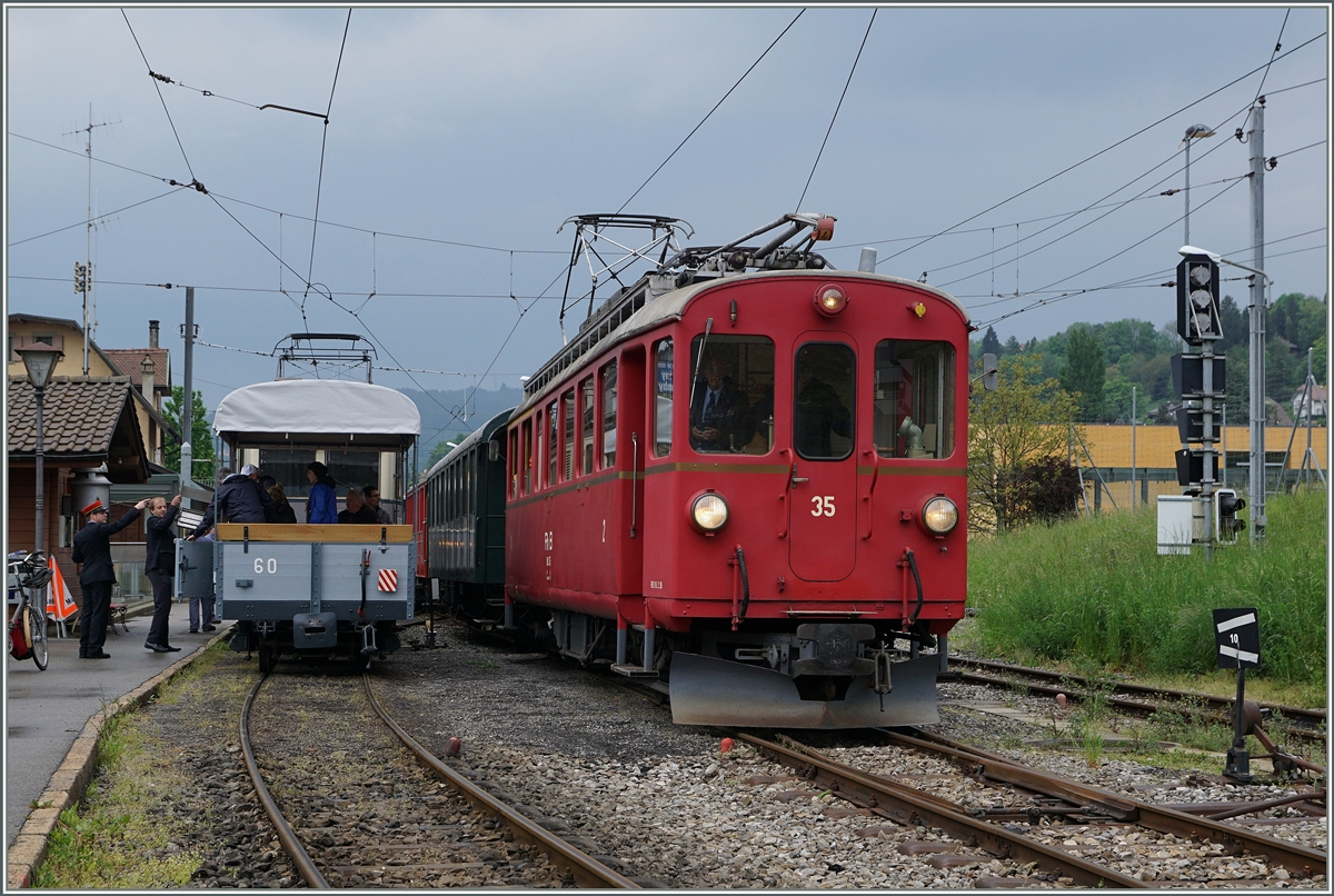 Der RhB ABe 4/4 N° 35 in Blonay.