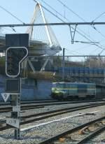 Reihe 15/73504/die-1501-in-lige-auf-dem Die 1501 in Liège auf dem Weg zur Arbeit.  30. März 2009