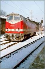 br-119-219-229-u-boot/149586/die-db-ex-dr-219-096-5 Die DB (ex DR) 219 096-5 in Schwerin.  9. Februar 1996/Gescanntes Negativ