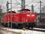 br-211-213-v100-west-auch-0212-v90p/122383/212-323-0-und-212-094-standen 212 323-0 und 212 094 standen beide abgestellt auf Gleis 182.