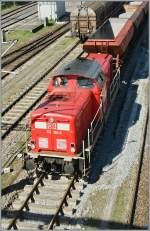 br-211-213-v100-west-auch-0212-v90p/132402/db-212-265-3-im-bauzugsdienst-in DB 212 265-3 im Bauzugsdienst in Konstanz am 6. April 2011.