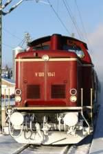 br-211-213-v100-west-auch-0212-v90p/55897/dreikoenigsdampf-2010-mit-volldampf-von-singen Dreikönigsdampf 2010. Mit Volldampf von Singen (Htw.) und Rottweil zur Dreiseenbahn (Singen-Engen-Donaueschingen-Titisee-Seebrugg und zurück). Die Personenzug-Tenderdampflokomotive 78 468 unterstützt von einer historischen Diesellok V 100 1041 aufgenommen am 02.01.2010 in Donaueschingen.