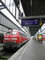 br-218-v-164/74830/kam-in-stuttgart-mit-einem-ic Kam in Stuttgart mit einem IC (am Zugende eine 101) an.