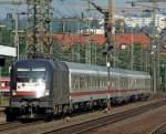 br-6182-es-64-u2-/88029/182-501-mit-ic-rottalerland-am 182 501 mit IC Rottalerland am 14.08.10 in Fulda