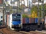 br-6183-es-64-u4-/99966/183-704-mit-containerzug-am-211010 183 704 mit Containerzug am 21.10.10 in Fulda