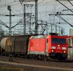 br-6185-traxx-f140-ac1-ac2/131444/185-322-2-rollte-mit-einem-mischer 185 322-2 rollte mit einem Mischer durch Hamburg-Harburg am 2.4.