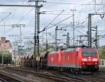 br-6185-traxx-f140-ac1-ac2/159339/185-076-und-185-185-mit 185 076 und 185 185 mit Güterzug am 12.09.11 in Fulda