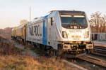 br-6187-traxx-f140ac3/530682/187-310-8-railpool-gmbh-fuer-wahrscheinlich 187 310-8 Railpool GmbH für wahrscheinlich evb logistik, stand mit einem Schienenschleifzug in Rathenow abgestellt. 04.12.2016
