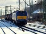 Eigene Bilder/57795/zur-freude-der-nobse-fuhr-de Zur Freude der 'NOBSE' fuhr DE 2700-07 von Veolia Transport mit einem Öler aus dem Rangierbahnhof Hamburg-Harburg nach Hohe-Schaar am 6.3.