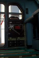 Dies und Das/289036/hier-der-fussbodenlose-fuehrerstand-von-146-004 Hier der Fußbodenlose-Führerstand von 146 004 und der Blick auf die Technik der Führerstandsfenster. (24.08.13, Dortmund)