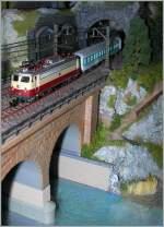 Die Bahn im Modell/114146/e-10-mit-rsb-auf-meiner E 10 mit RSB auf meiner 'Z-Anlage'. 18.12.2008