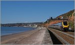 Ein Country Cross Class 221 zwischen Dawlish und Dawlish Warren.