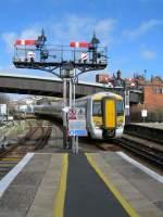 class-375/74017/ein-class-375-triebzug-wird-in Ein Class 375 Triebzug wird in Hastings manövriert.  28. März 2006