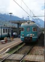 ALe 803/69247/in-sondrio-wartet-der-ale-803 In Sondrio wartet der Ale 803 auf die Abfahrt nach Tirano.  8. Mai 2010