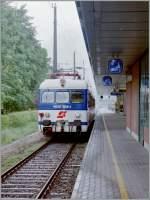 4030-6030/150971/der-oebb-4030-309-1-wartet-in Der ÖBB 4030 309-1 wartet in Bregenz auf die Abfahrt nach St. Margrethen.  30. Mai 1995