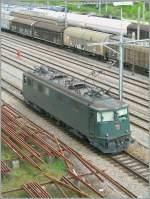 ae-6-6/97275/ae-66-im-rangierbahnhof-lausanne-triage Ae 6/6 im Rangierbahnhof Lausanne Triage.  27. April 2006