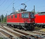 re-420-re-4-4-ii-/135725/re-44-ii-11158-am-250411 Re 4/4 II 11158 am 25.04.11 in Singen(Htw)