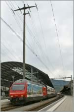re-460-re-4-4-vi/147190/re-460-036-7-mit-einem-ic Re 460 036-7 mit einem IC nach Bern in Olten. Da ist kein Mast abgeschnitten - doch sollte man es nicht mal wagen... 25.06.2011