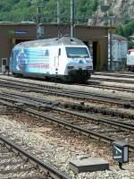 re-465-re-4-4-vi-lok-2000/76916/die-bls-re-465-001-wirbt Die BLS Re 465 001 wirbt für den neuen Lötschbergbasistunnel. Brig, den 11. Nov. 2006