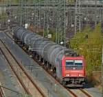 re-482-traxx-f140-ac1-ac2/100418/482-041-1-mit-kesseagen-am-241010 482 041-1 mit Kesseagen am  24.10.10 im Gbf Fulda