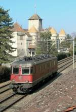 re-620-re-6-6/75482/re-66-beim-chteau-de-chillon Re 6/6 beim Château de Chillon am 14. März 2006.