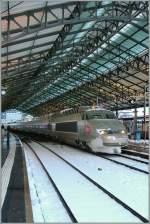 Lyria/109554/ein-tgr-lyria-kurz-vor-der Ein TGR Lyria kurz vor der Abfahrt nach Paris Gare de Lyon in Lausanne.  17.12.2010