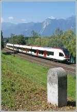 flirt-alle-br/79860/29-kilometer-bis-lausanne-25-kilometer 29 Kilometer bis Lausanne, 25 Kilometer bis St-Maurice verkündet der Straßenkilometer Stein bei Villeneuve.  24. Juni 2010