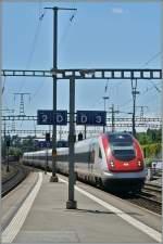 icn-rabde-500/345937/icn-von-gen232ve-a233roport-richtung-bielbienne ICN von Genève Aéroport Richtung Biel/Bienne bei der Durchfahrt in Morges. 30 Mai 2014