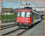rbe-540/78214/in-den-den-hauptverkehrszeiten-verkehrt-zwischen In den den Hauptverkehrszeiten verkehrt zwischen Palézieux und Romont ein solo fahrender RBe 4/4 (hier der RBe 540 007-2) statt ein Bus, was in etwas zeigt, wie schwach das Verkehrsaufkommen im Regionalverkehr  hier ist... Palézieus, am 28. März 2007