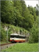 trn-cmn/151019/cmn-bde-44-n5-als-regionalzug CMN BDe 4/4 N°5 als Regionalzug 16 kurz nach Les Frêtes am 19. August 2010.
