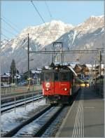 zb-zentralbahn/119904/de-44-110-021-3-mit-dem De 4/4 110 021-3 mit dem IR 2275 am 5. Feb. 2011 beim Halt in Brienz.